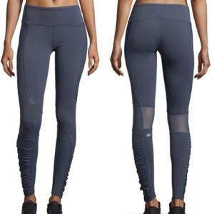 Alo Yoga▪️Runway ruched paneled leggings XS